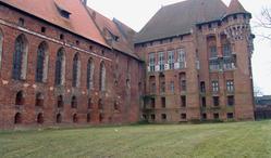 Piwnice Zamku Średniego w Malborku - Centrum Turystyczne