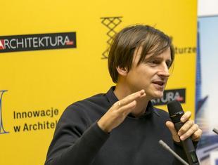 Oskar Zięta o instalacji Nawa we Wrocławiu
